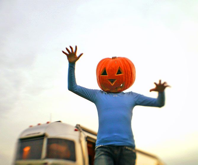 6_0_44_1pumpkin_head_2.jpg