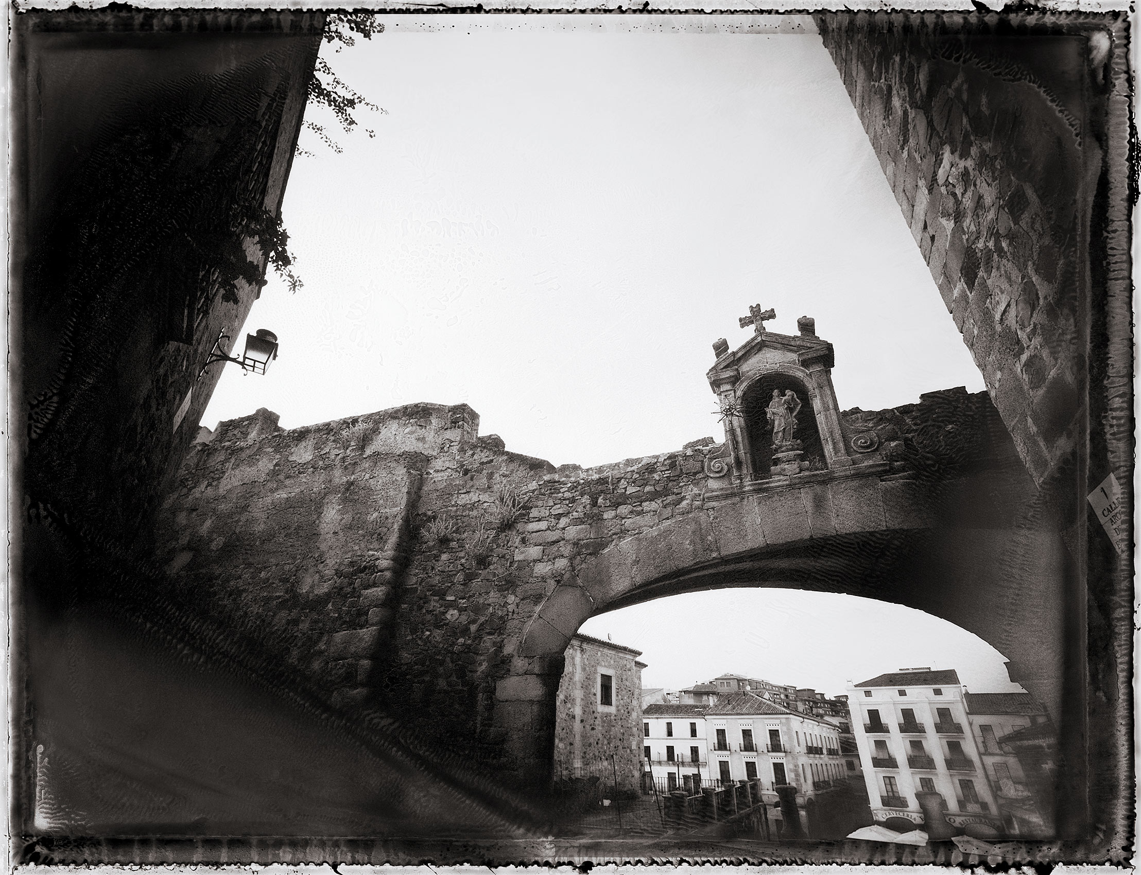 Arch of the Star, Caceres