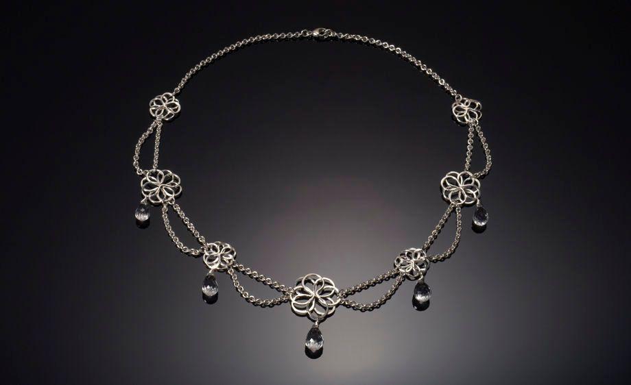 Garden Party Scalloped Necklace