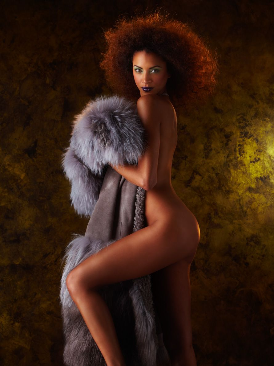 Noemie Lenoir Nude