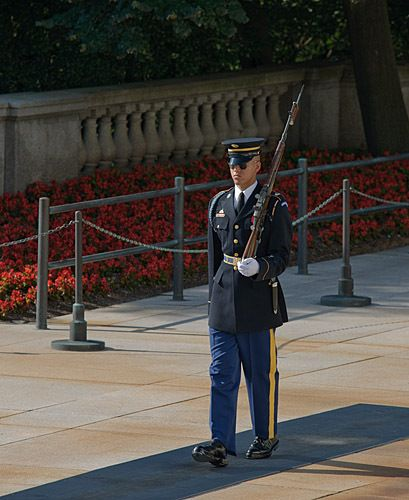 Honor Guard at Tomb of Unkown Soldier