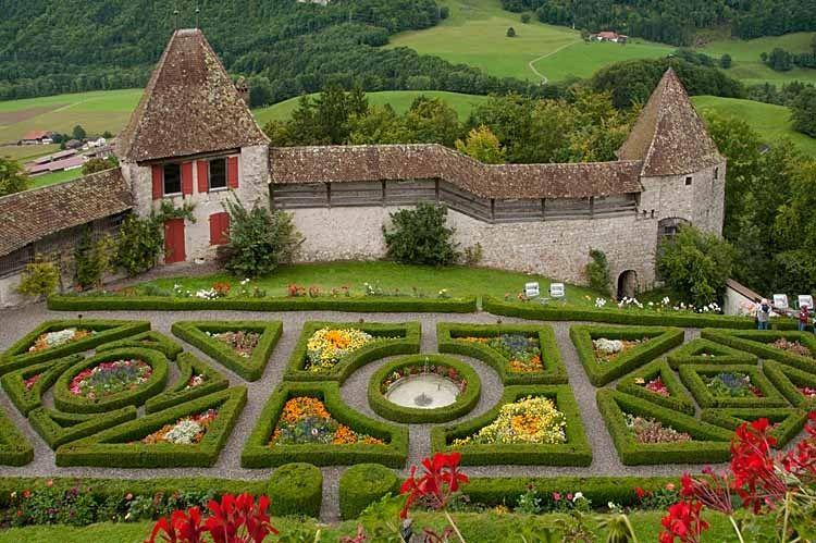 1gruyere_castle_4_srgb.jpg