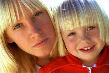 1Blond_Mother_Daughterweb