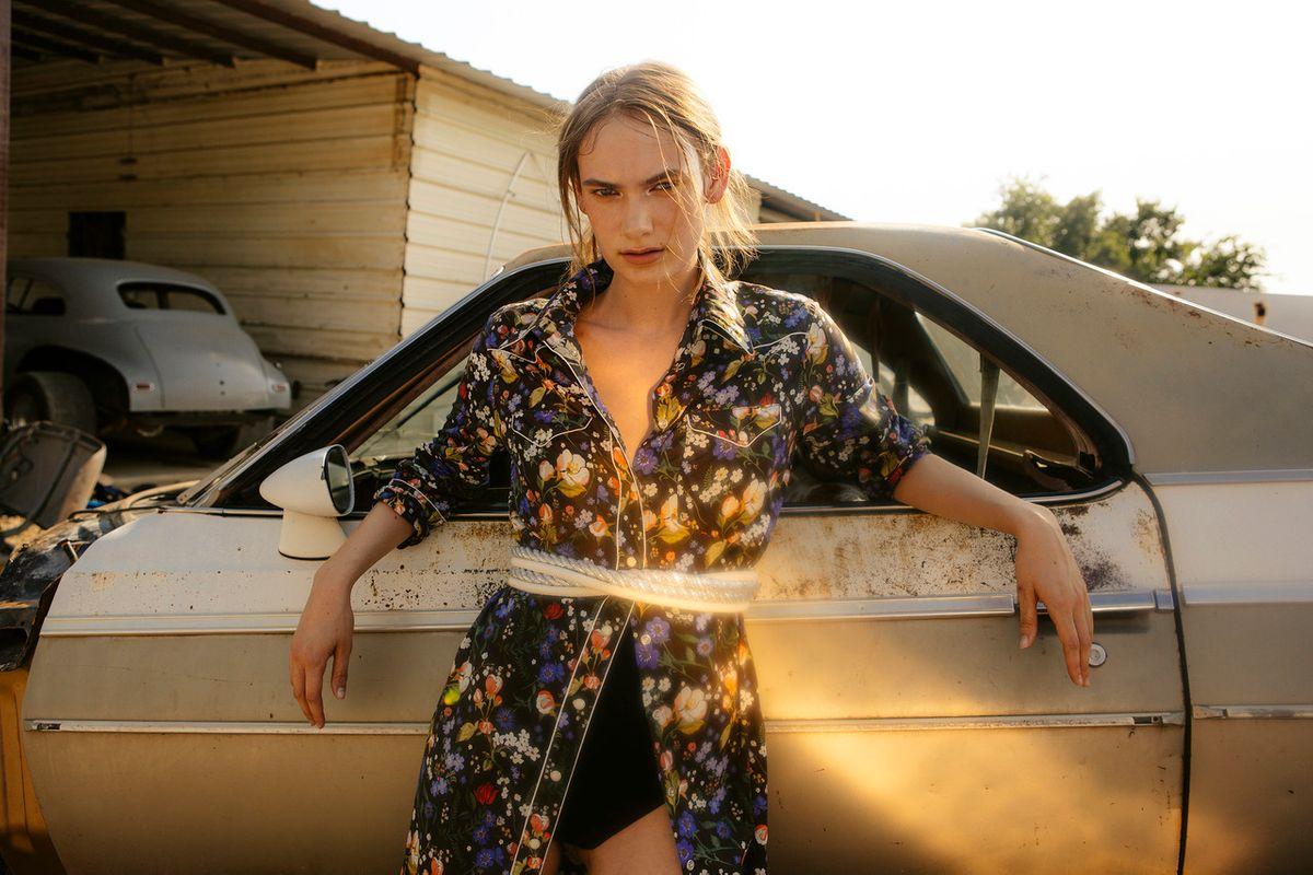Tiffany-MollyDickson-Sheridan-02.jpg