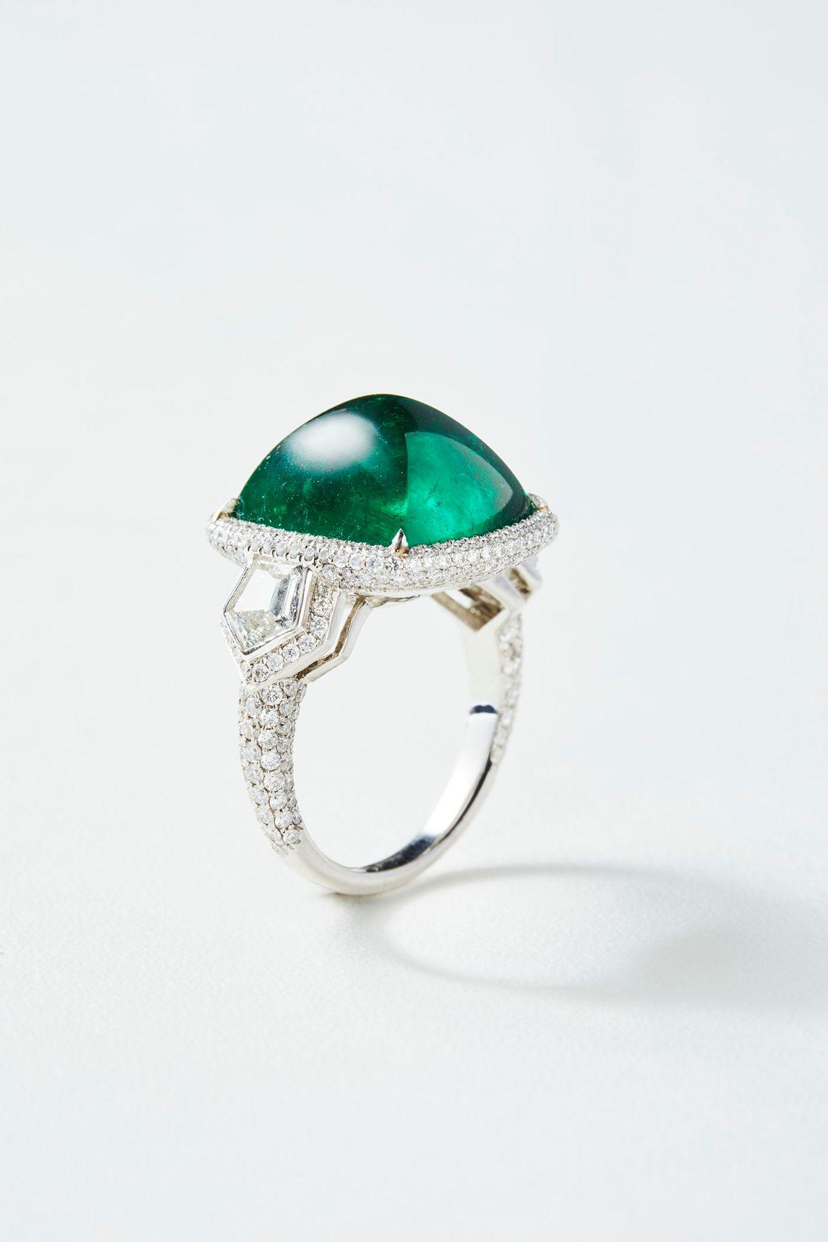 58805_EmeraldRing_Side.jpg