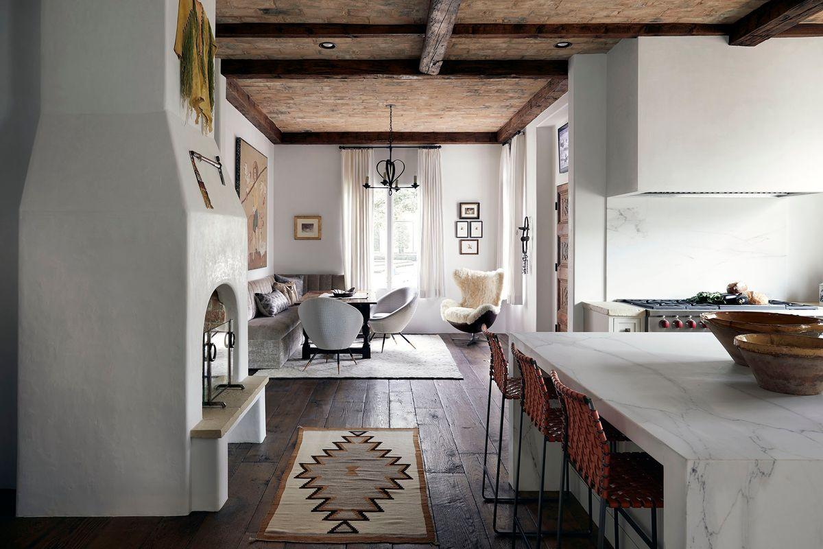 Lodge_Hollow-Kitchen-3.jpg