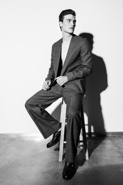 Tor Matthey On Figure Fashion Wardrobe Styling 1.jpg