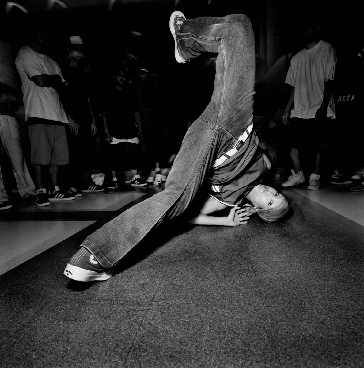 1cypher_breakdancers_1.jpg