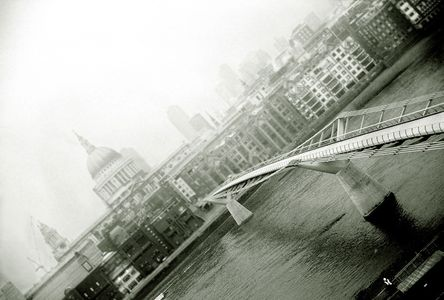London England, Millennium Bridge