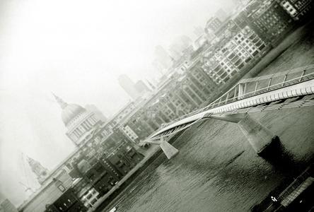 London England, Millennium Bridge