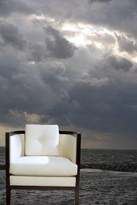 1r1696_008_chair.jpg