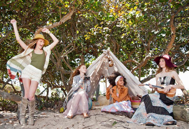 hippie girls_1.JPG