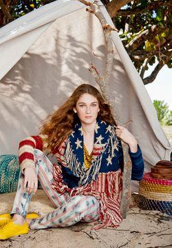 hippie girls_3.JPG