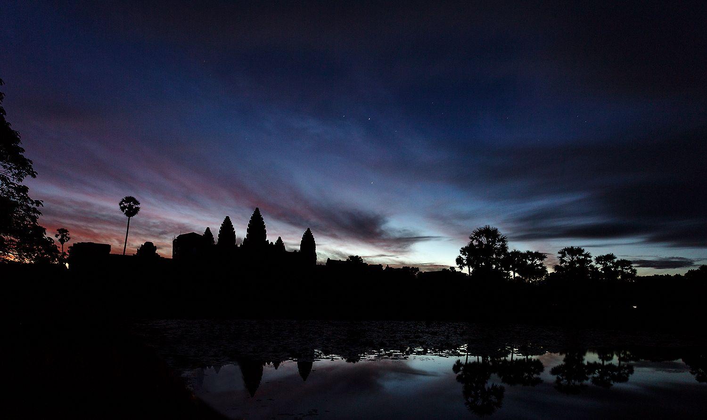 angkor.sunrise.jpg