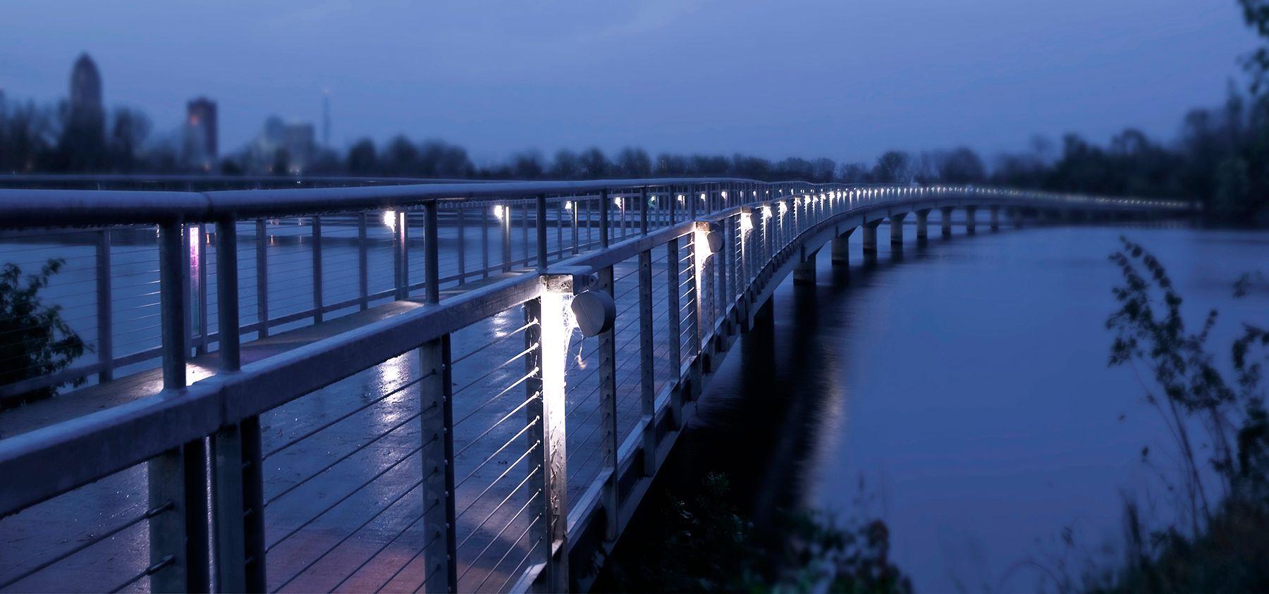 bridge.grays.jpg