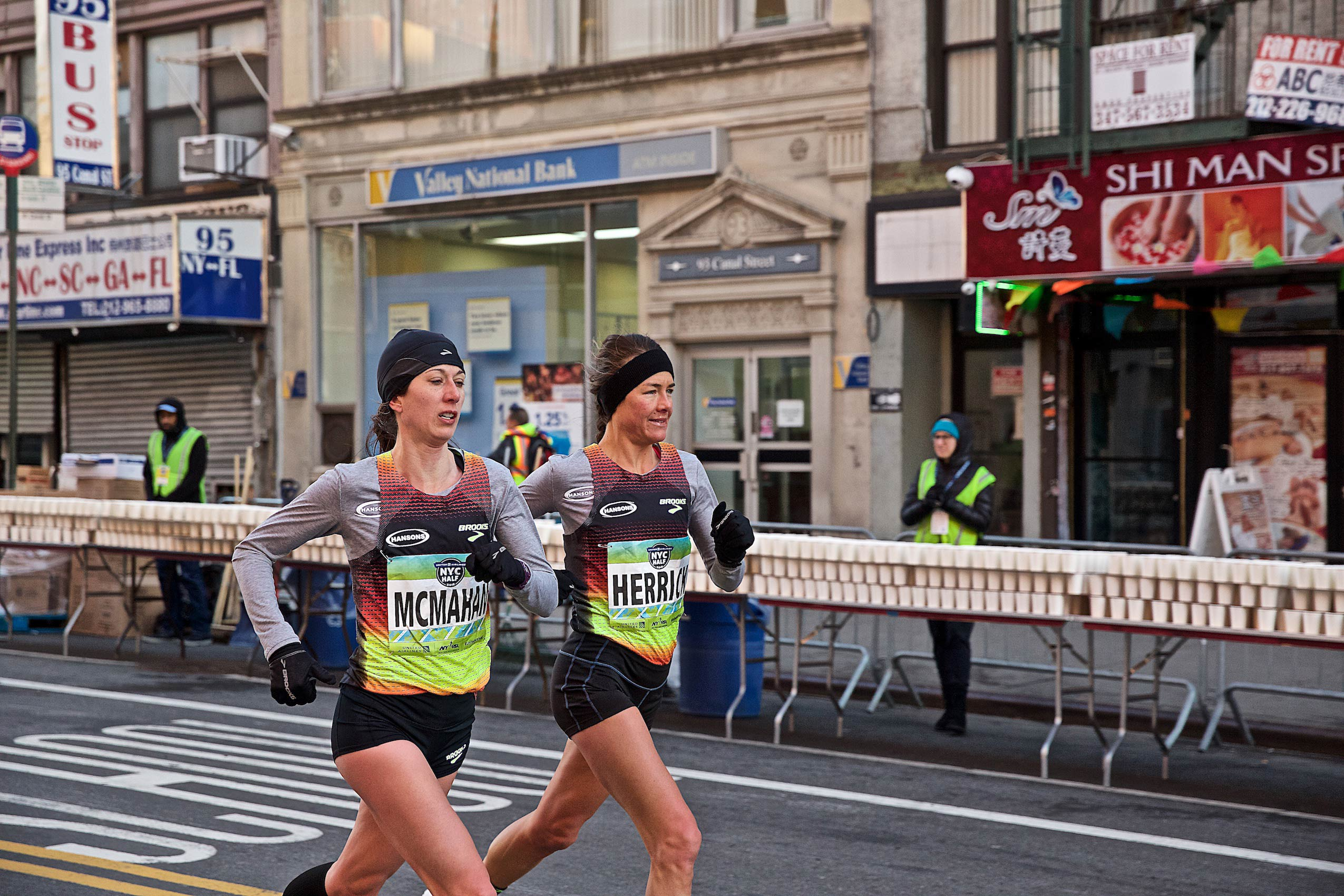 Pro Runners in Chinatown