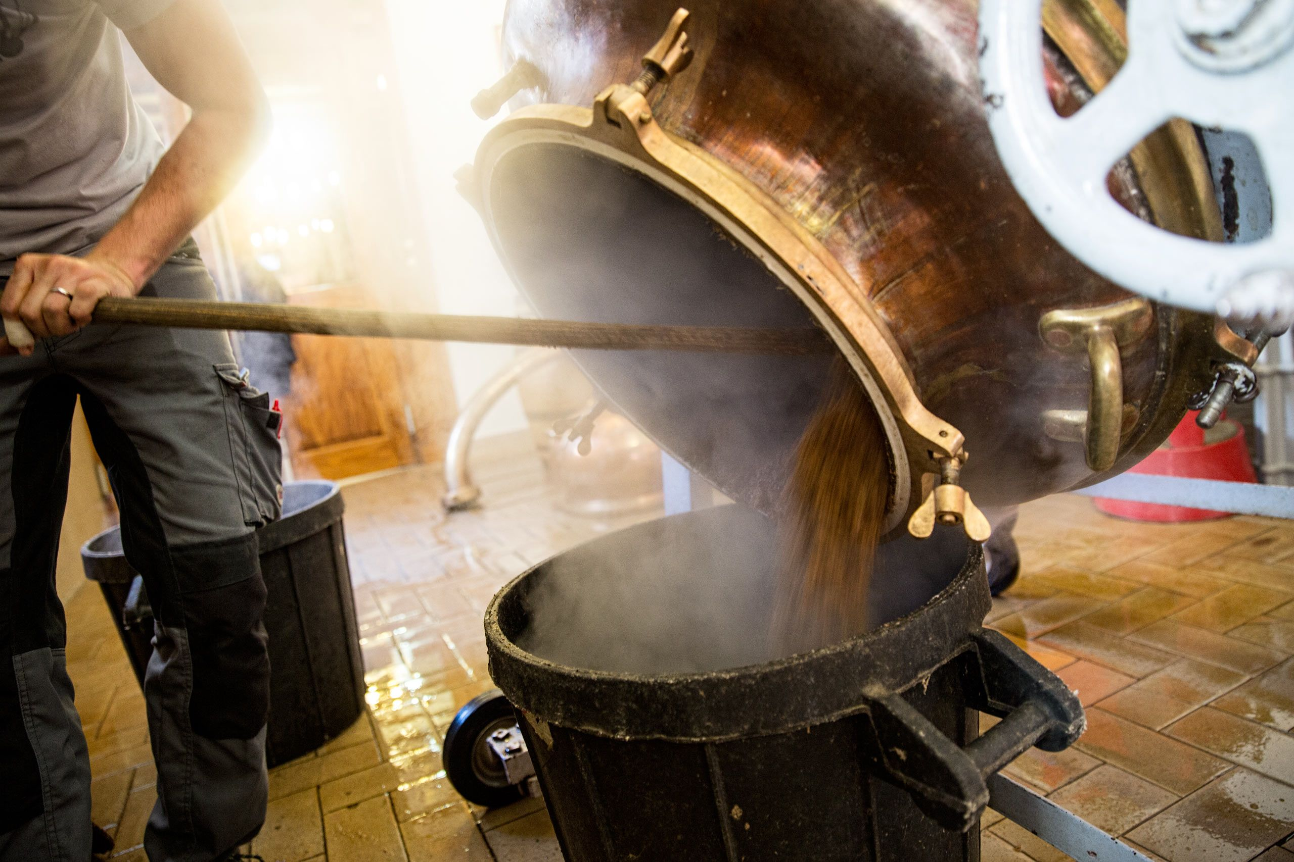 Emptying a Large Copper Distill