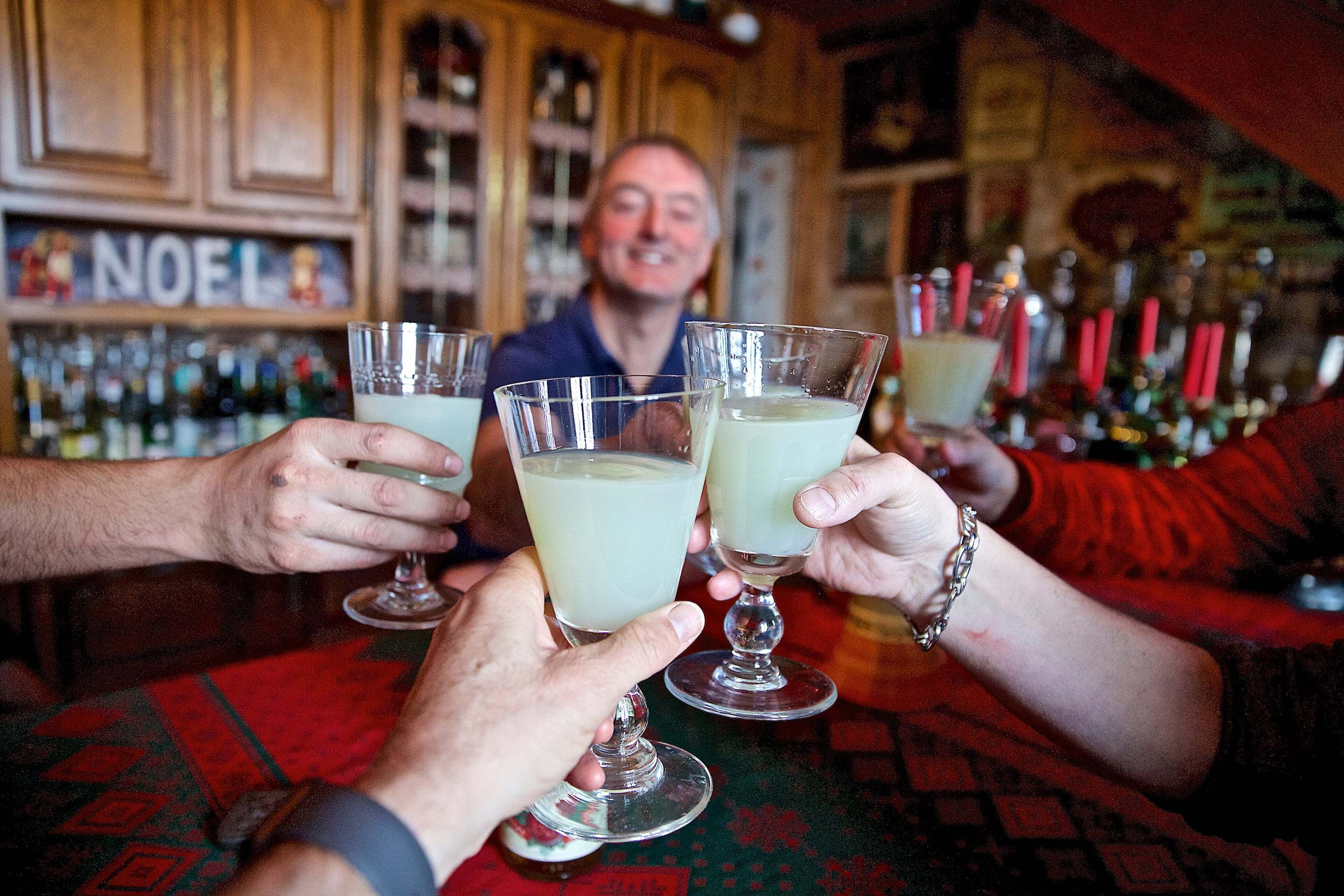 Holiday Cheer With an Absinthe Toast Cling Cling