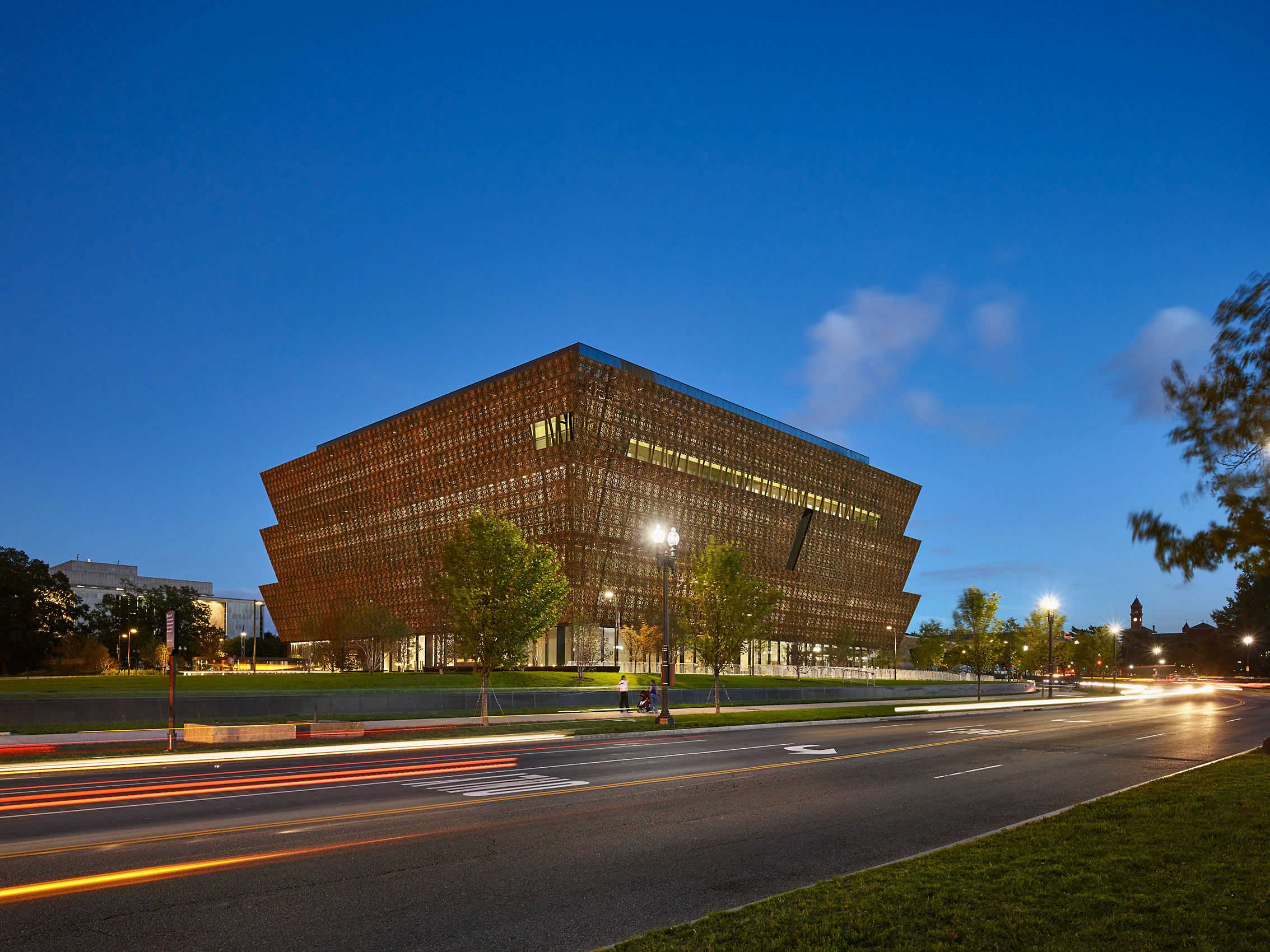 FREELON ADJAYE BOND / SMITHGROUP  .  NATIONAL MUSEUM OF AFRICAN AMERICAN HISTORY & CULTURE  .  WASHINGTON DC