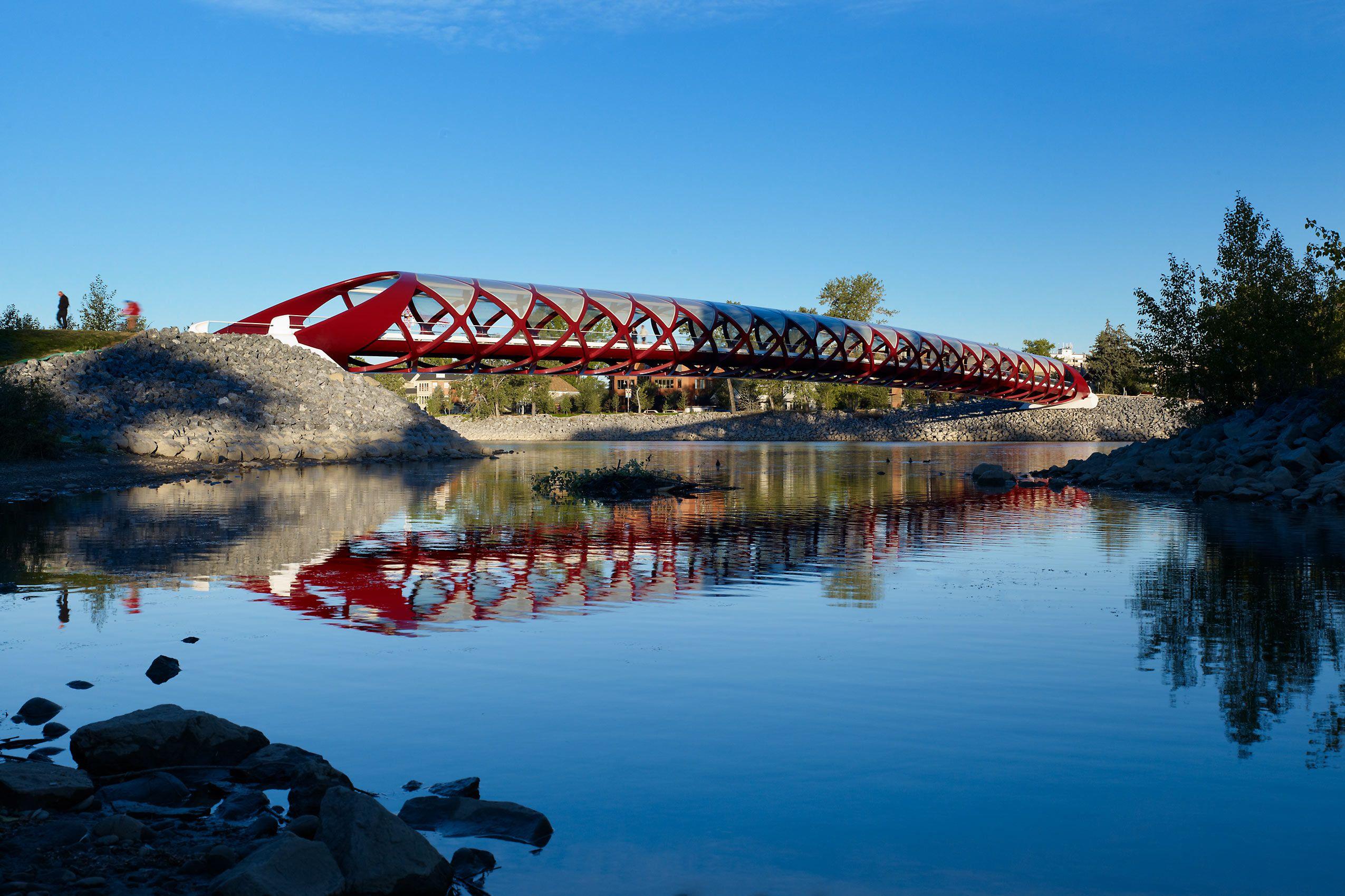 SANTIAGO CALATRAVA  .  PEACE BRIDGE  .  CALGARY CANADA