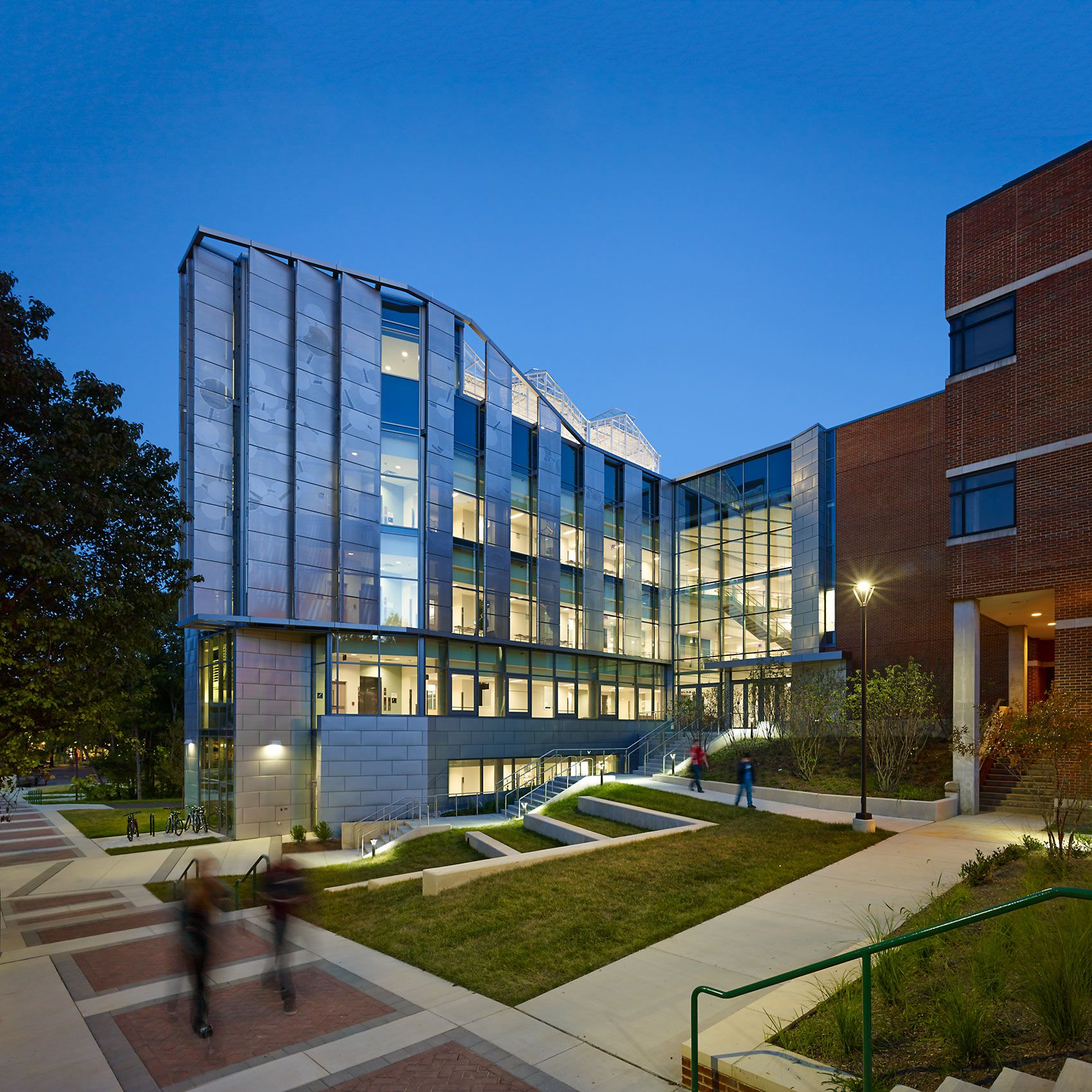 PERKINS + WILL  .  GEORGE MASON UNIVERSITY EXPLORERS HALL  .  FAIRFAX VA