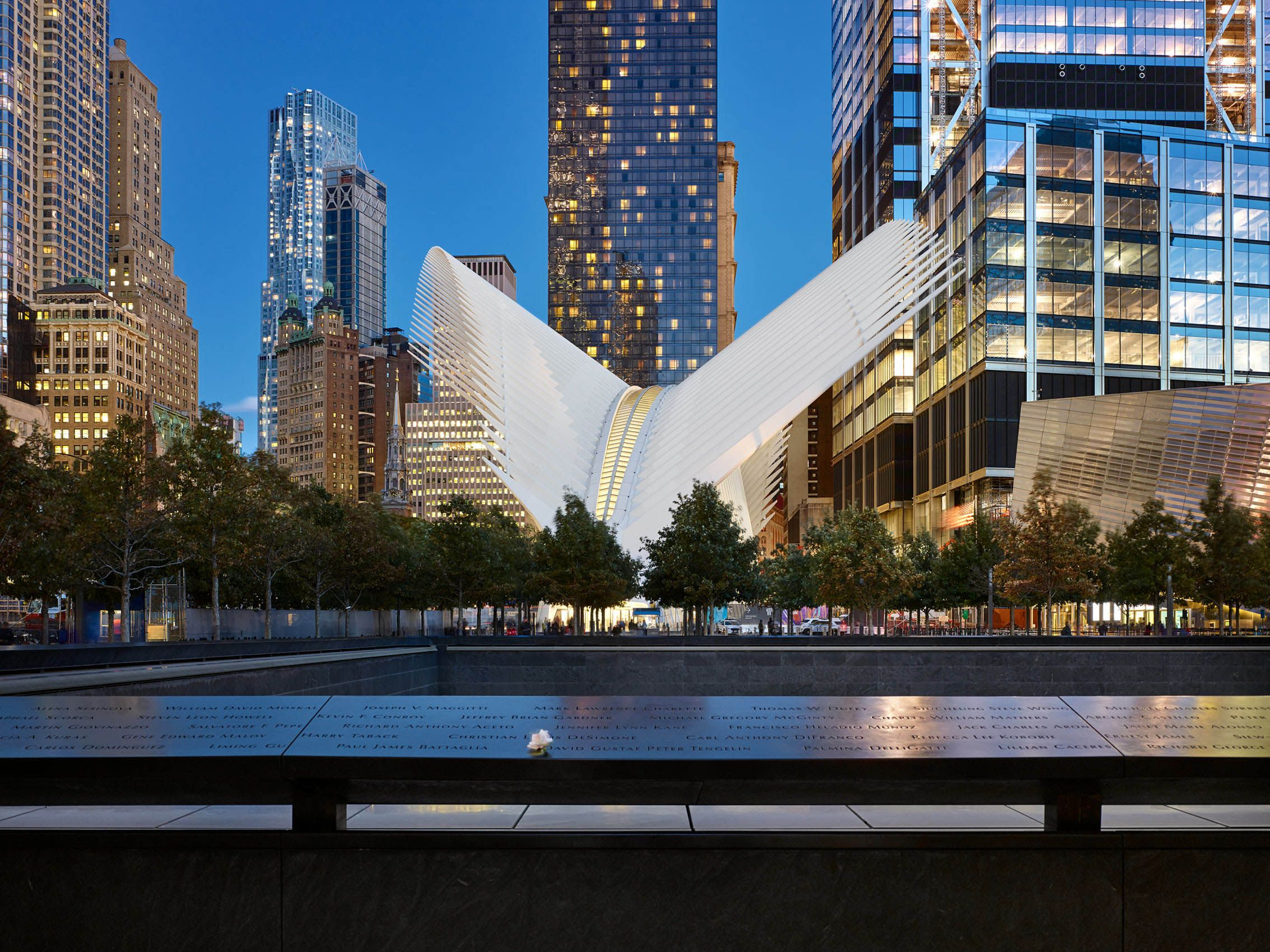 SANTIAGO CALATRAVA  .  WORLD TRADE CENTER TRANSPORTATION HUB  .  NEW YORK