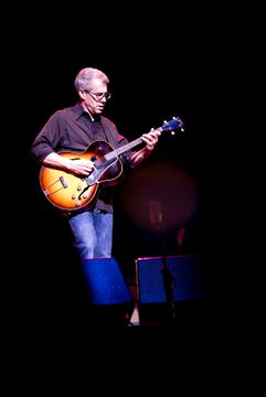 Hot Tuna - Barry Mitterhoff - Beacon Theater, NYC 12.03.10