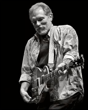 Hot Tuna - Jorma Kaukonen - Beacon Theater, NYC 12.03.10
