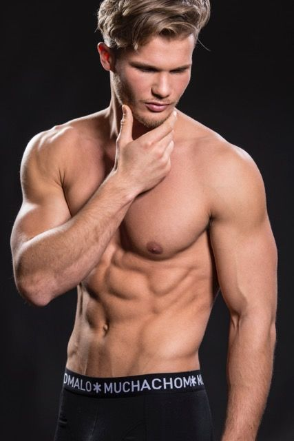 Model Michael Schramm