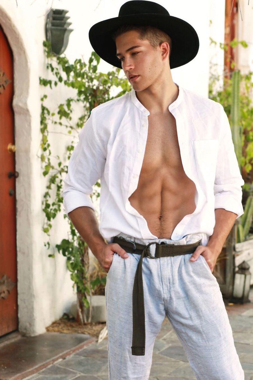 Model Dom Fenison