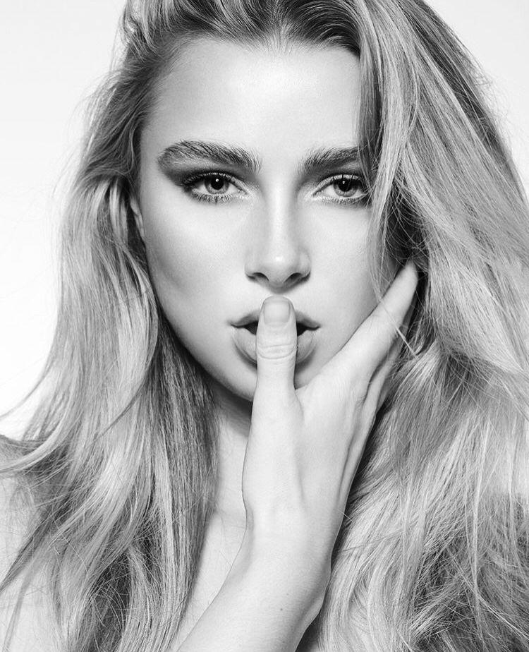 Model Samantha Visscher