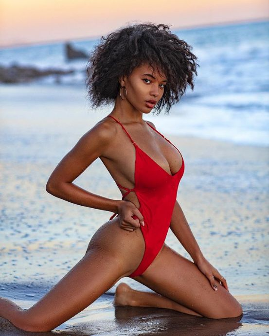 Model Jamea Lynee