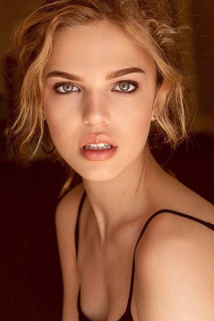 Model Kate Santos