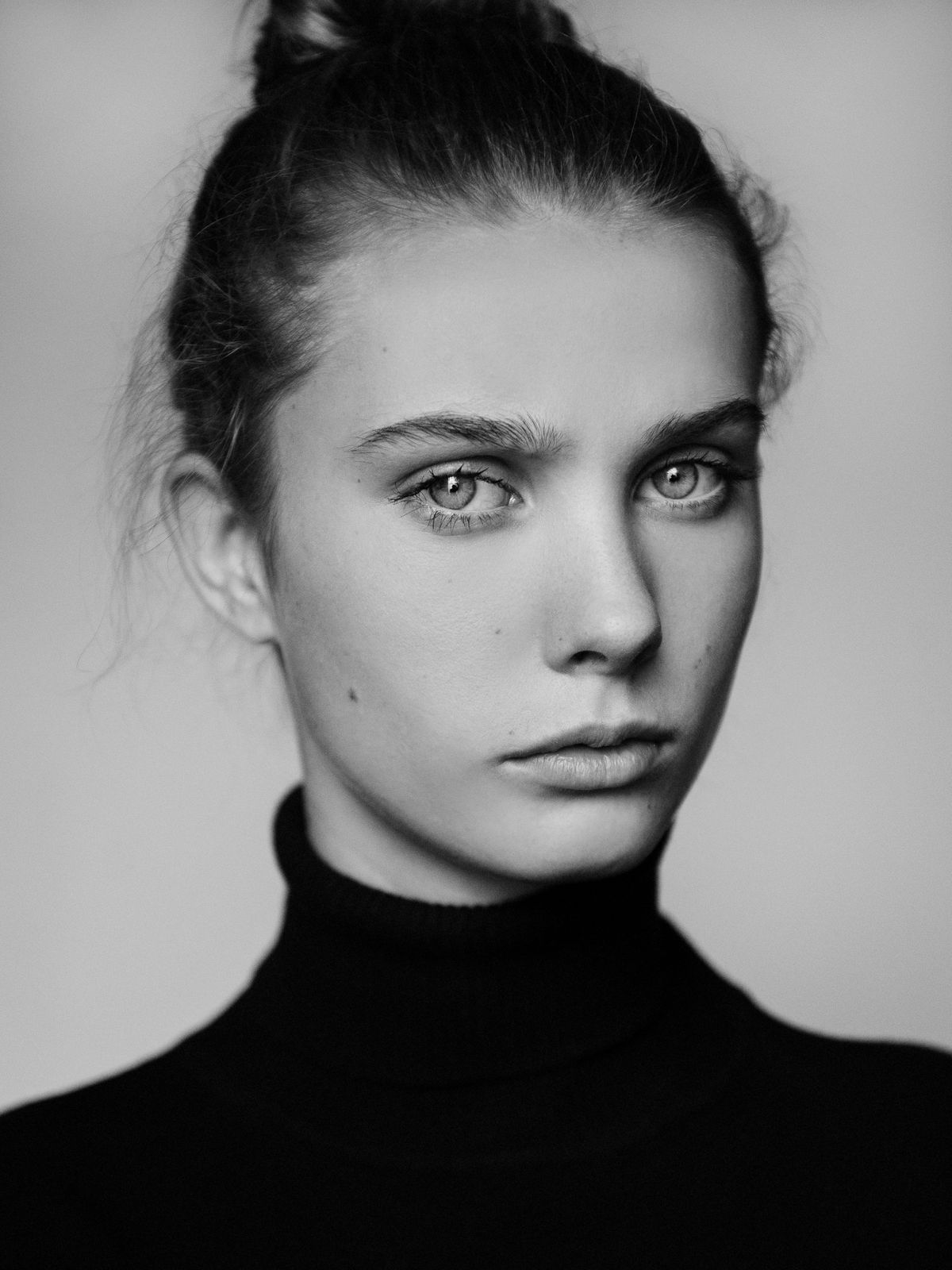 Model Charlize Cotton