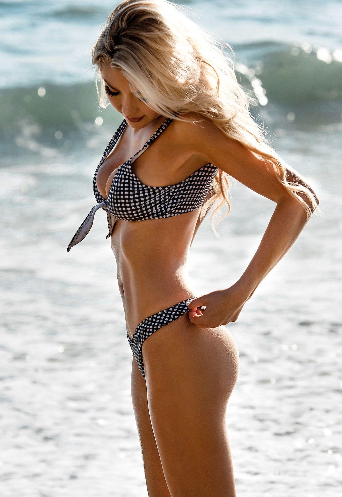 Model Blair Hiesl