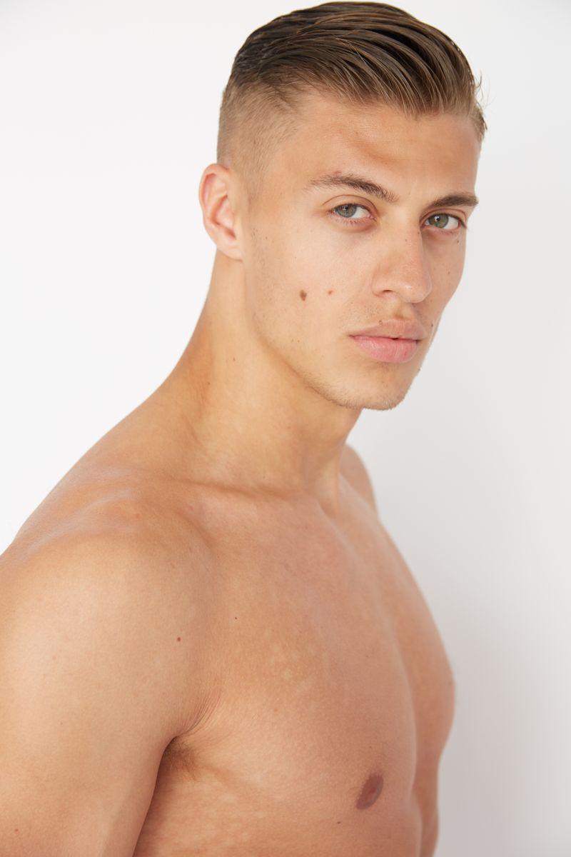 Male Model Max Hamilton - WHITE CROSS MANAGEMENT