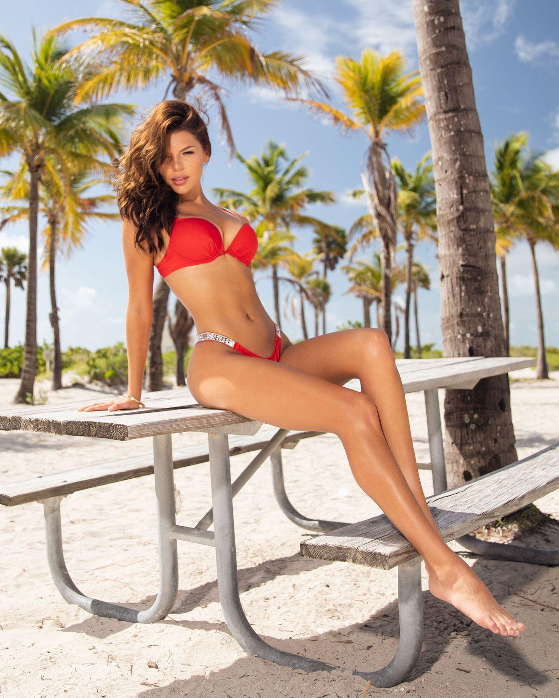 Model Valentina Cardenas