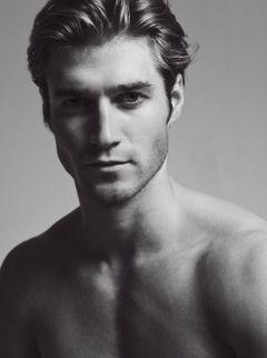 Model Dane Johnson