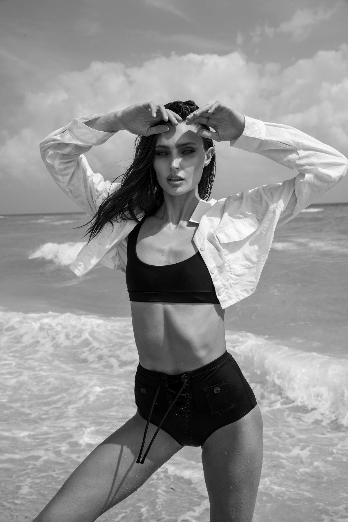 Model Logan Kem