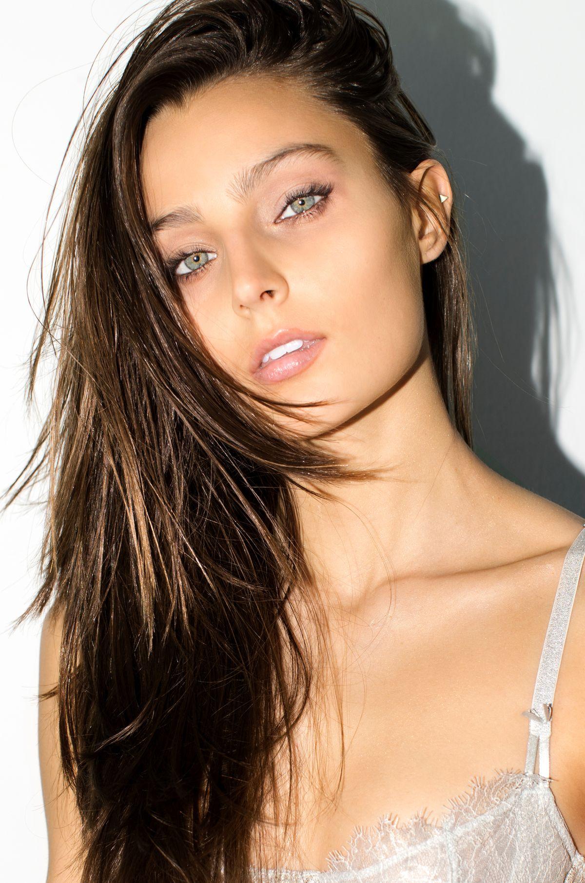 Model Logan Kemp