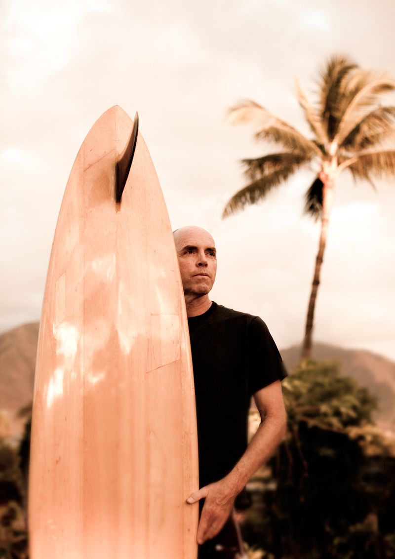 Charlie Lyonartist, surfer