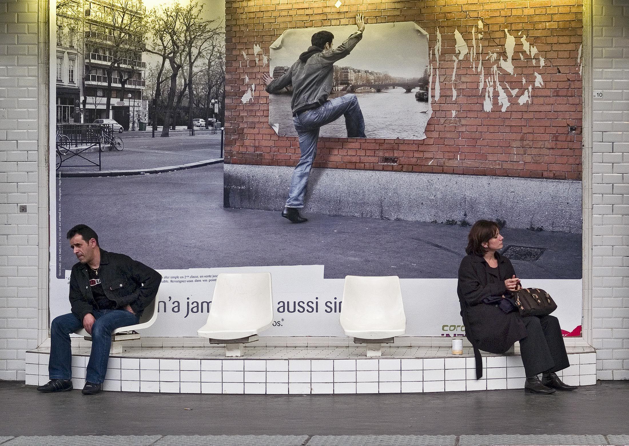metro climb thru wall paris 06-Edit copy copy.jpg