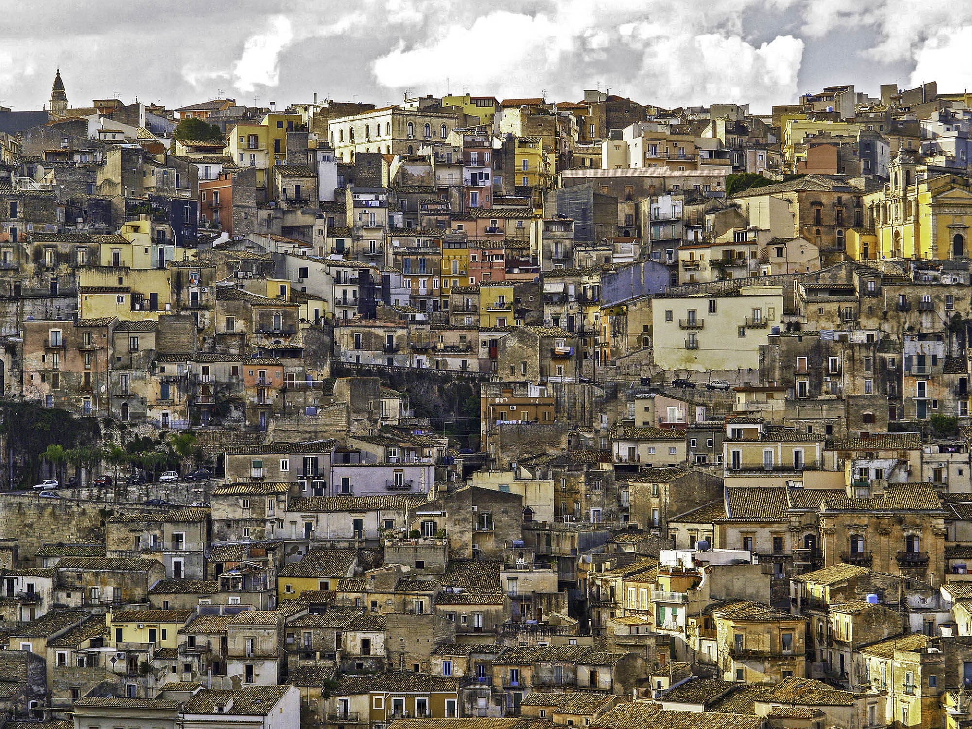 2-We Live here-Ragusa.jpg