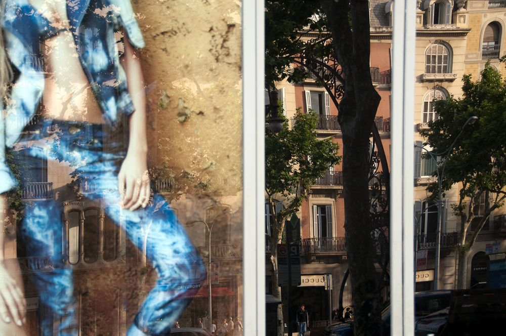 Gaudi apartments with jeans.
