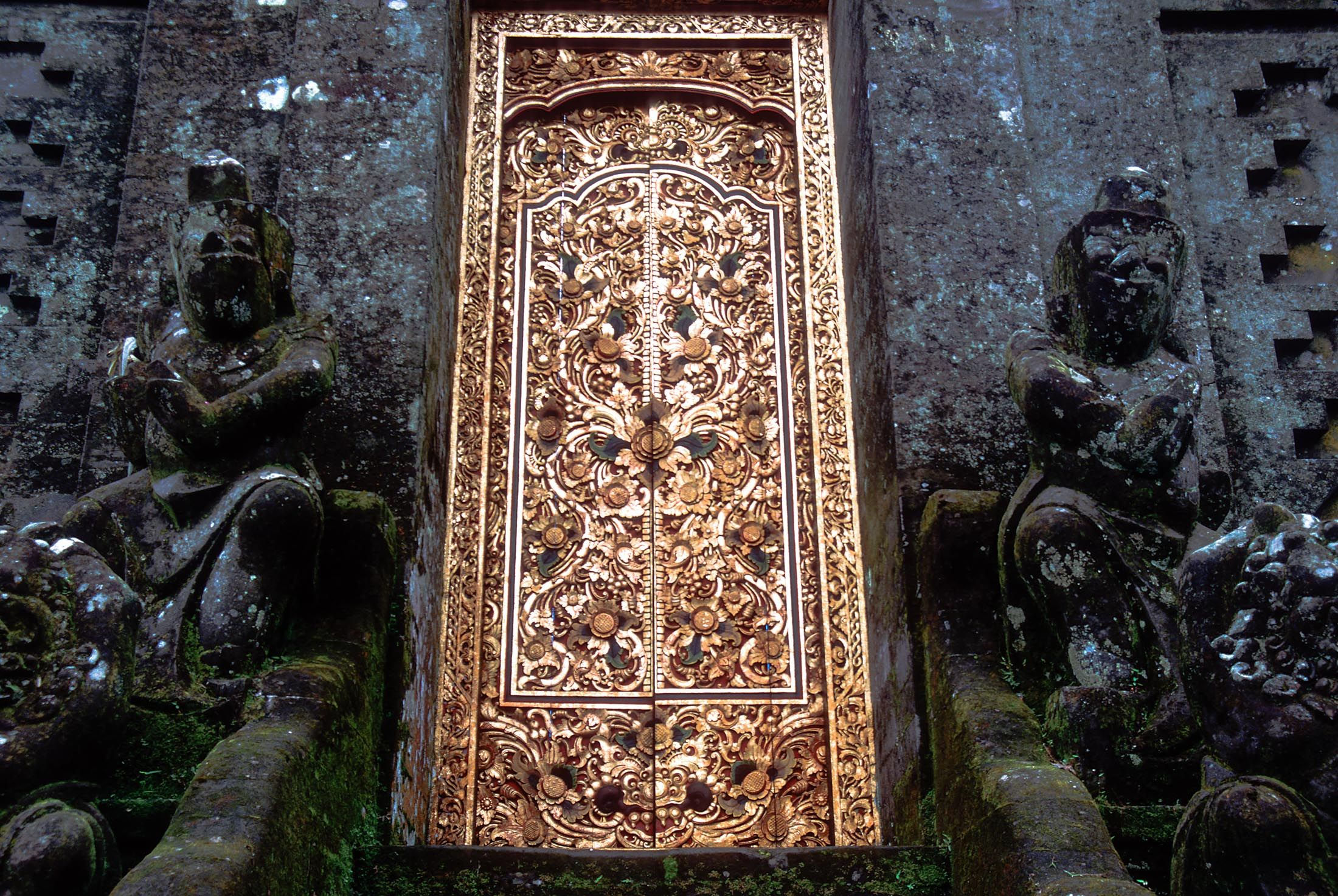 gold temple door bali 02.jpg