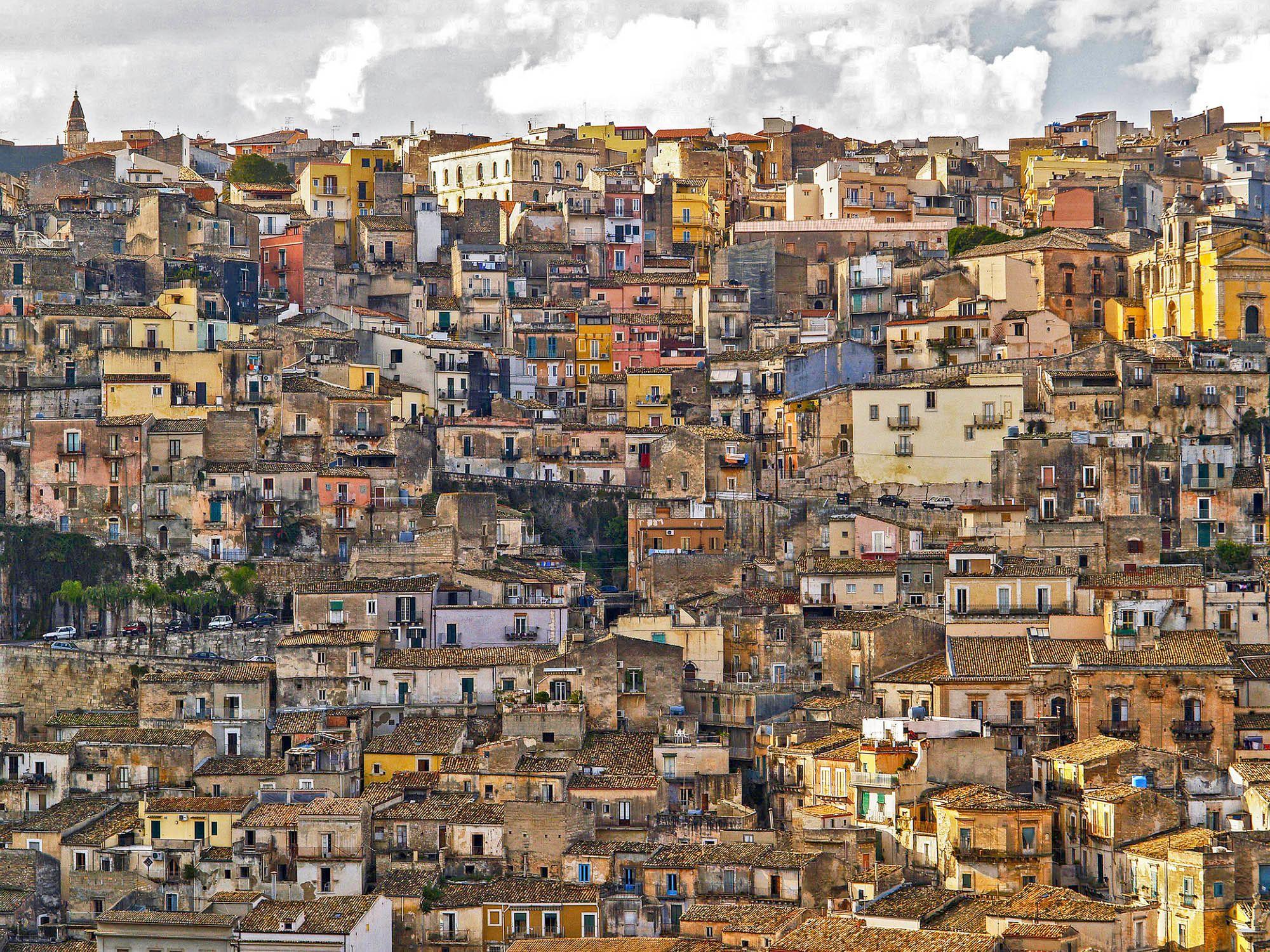 2-We Live here-Ragusa.jpg