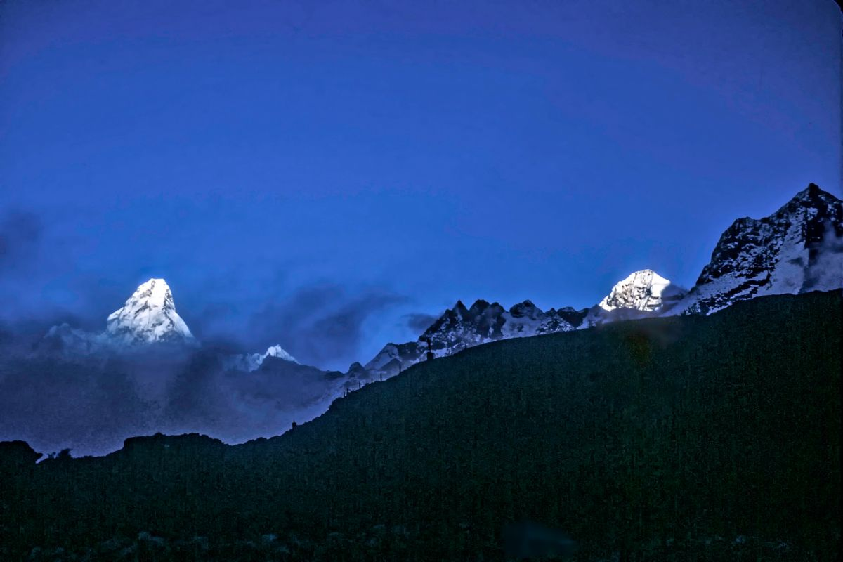 Ama Dablam, Mt. Everest, and Baruntse.