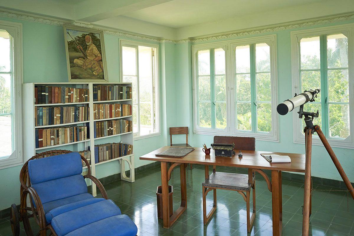 Hemingway writing observatory
