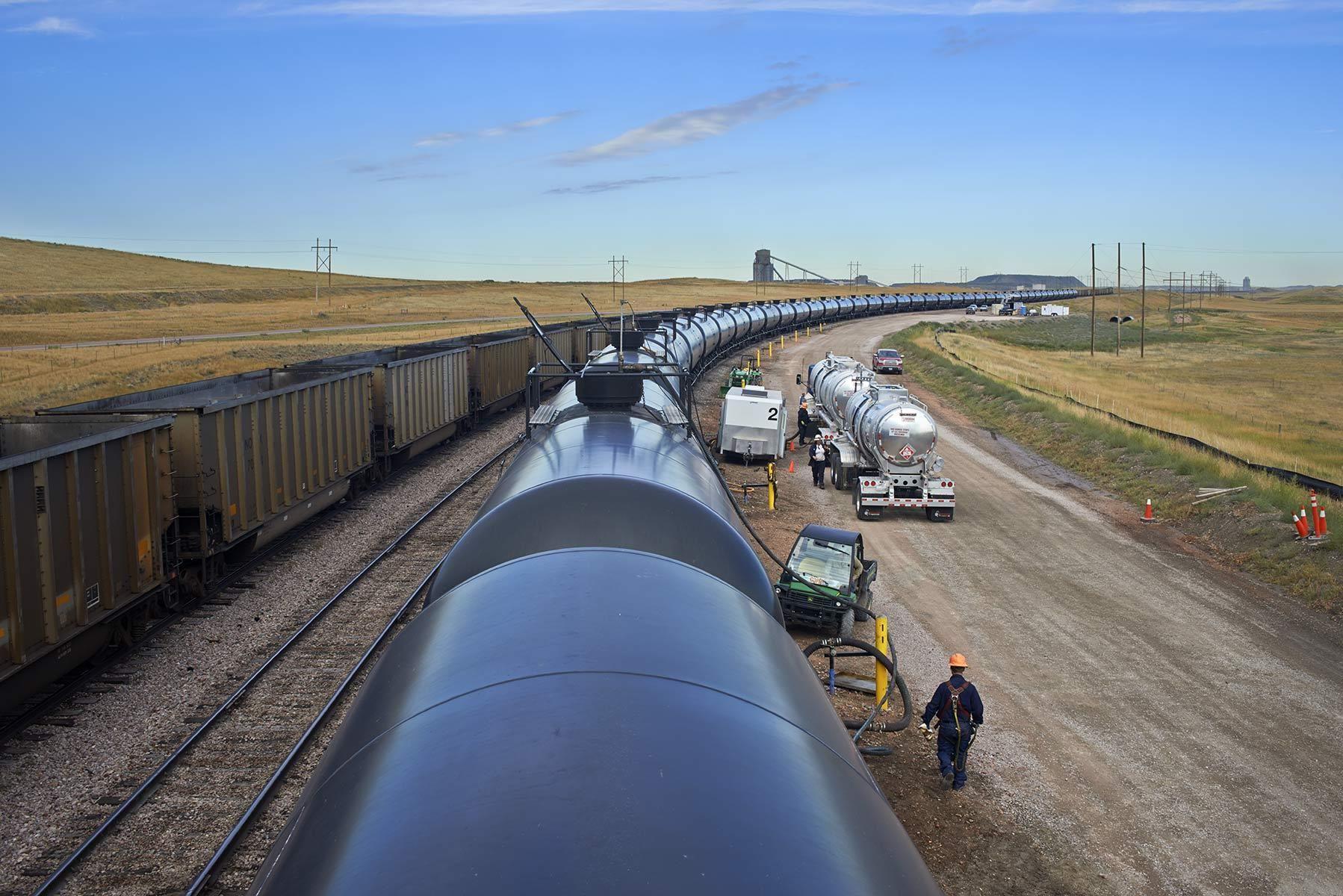Crude Oil Tanks Rail Transport