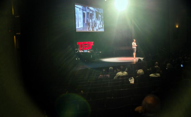 2808_TEDXNAV2015.jpg